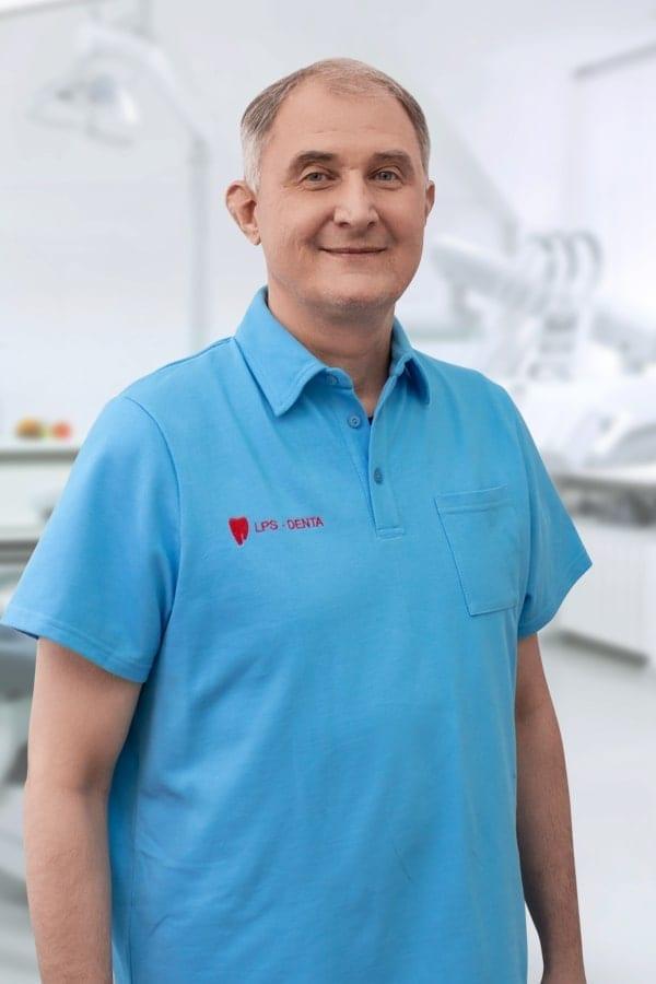 Стоматолог Епишев Владимир Владимирович